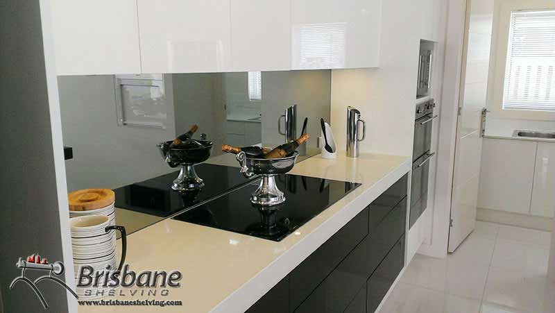 how to clean a glass splashback without streaks